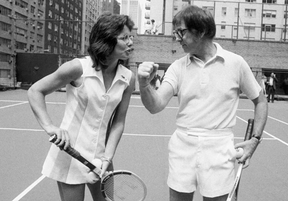Photo of Billie Jean King and Bobby Riggs; the battle of the sexes; famous tennis players